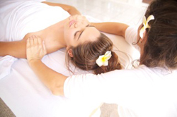 massaging_shoulders_face_up