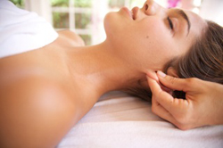 massaging_ear